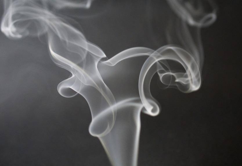 smoke-933237_1280.jpg